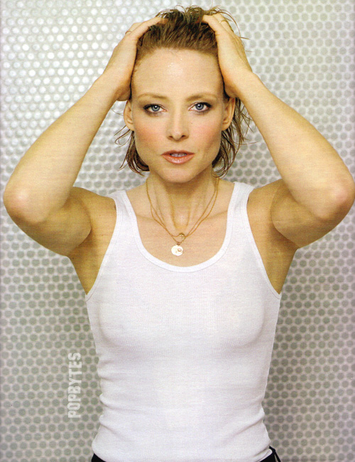 jodie foster witha medium wavy hairstyle
