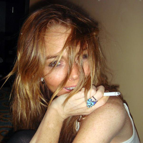Here's a damn awesome gallery of pics of lindsay lohan naked and sucking a ...