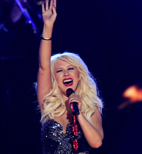 Christina Aguilera fall down go boom!