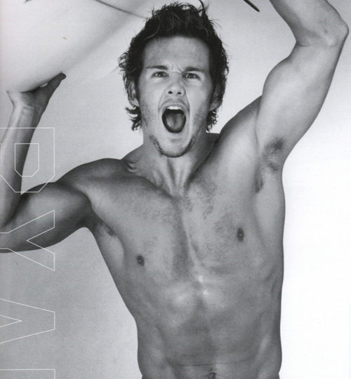Ryan Kwanten is a hunky hero!