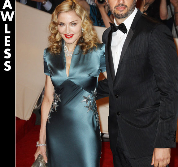 One Word Reviews: Celeb fashion at The Met Gala!