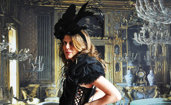 FashionBytes: Anna Dello Russo's music video!