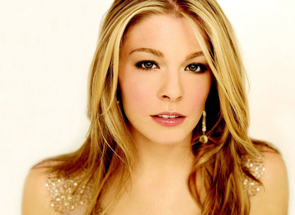 Lookin' good, LeAnn Rimes, lookin' good!