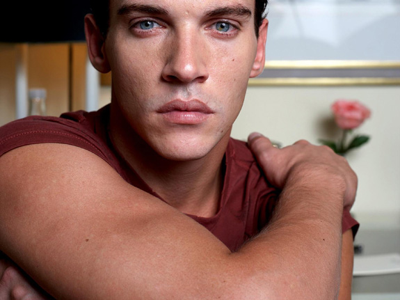 Jonathan Rhys Meyers attempted suicide!