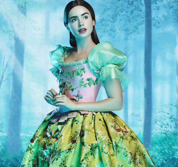 First Look: Lily Collins as Snow White