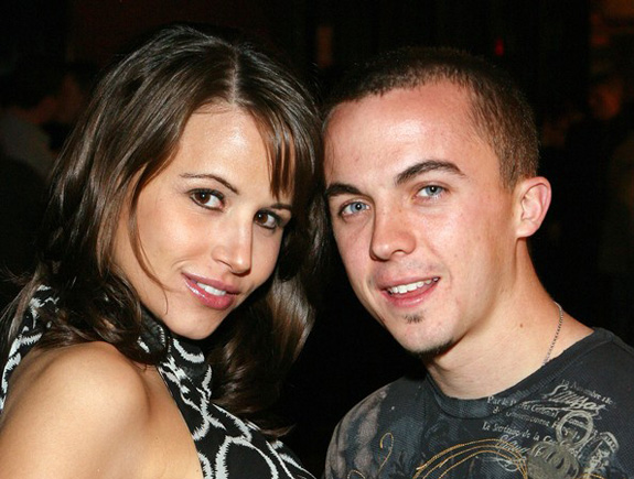 Frankie Muniz is engaged!