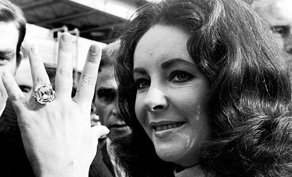 Elizabeth Taylor's jewels to be auctioned