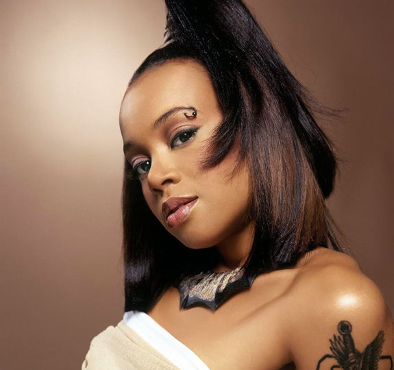 We miss you Lisa 'Left Eye' Lopes