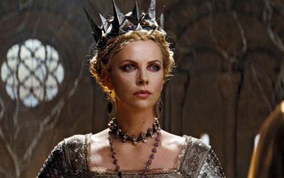 Charlize Theron - Snow White and the Huntsman