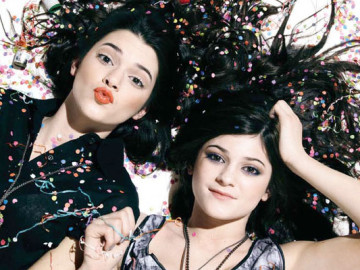 Kendall and Kylie Jenner are writing a book?!