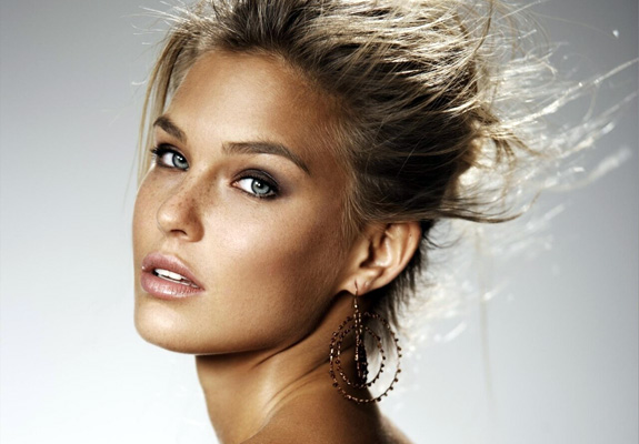 Bar Refaeli's sex tape Kickstarter!