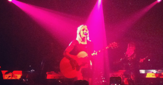 Review: Ellie Goulding plays NYC