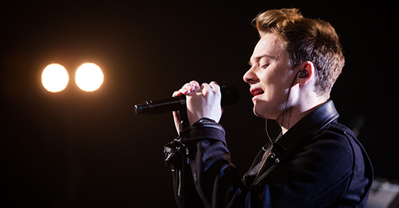 Conor Maynard does iHeartRadio