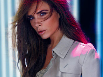 Victoria Beckham is flawless!