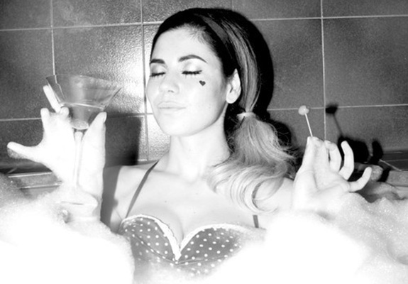 "Marina and the Diamonds ""E.V.O.L"""