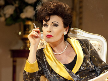 Tracie Bennett stuns as Judy Garland in 'End Of The Rainbow'
