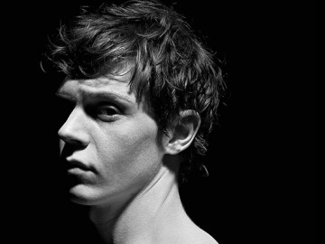 Evan Peters will play Quicksilver!