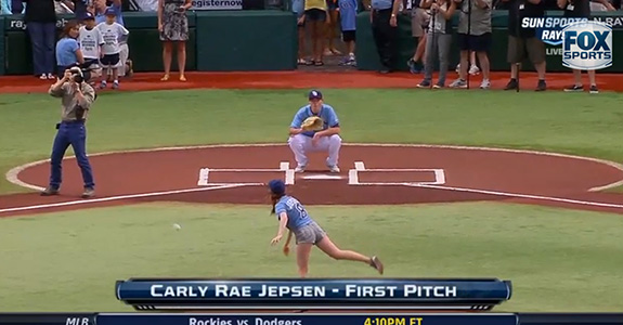 Carly Rae Jepsen sucks at pitching!