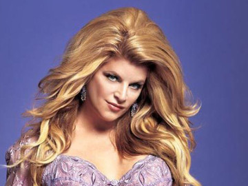 Kirstie Alley thinks it's fine to attack photographers