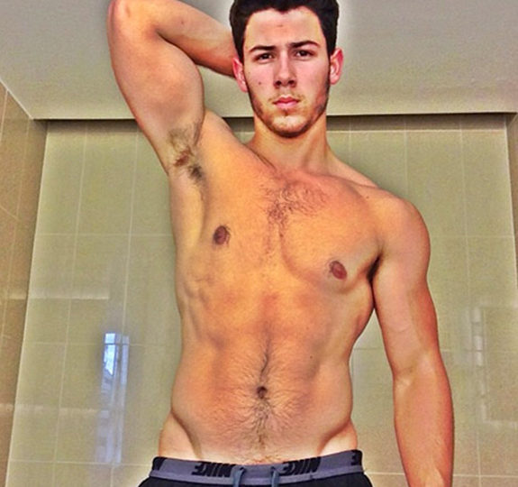 FitnessBytes: Nick Jonas Goes Shirtless!