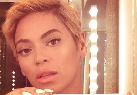 Beyoncé debuts a new pixie haircut!
