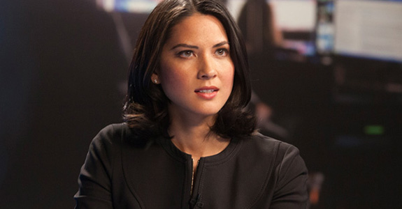 Olivia Munn dislocated her shoulder via a swing