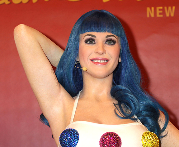 Katy Perry gets the wax treatment …