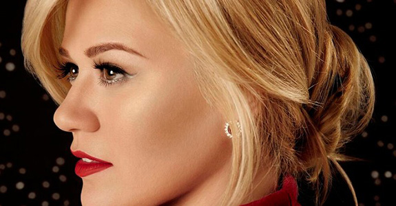 Kelly Clarkson gets 'Wrapped In Red' for debut Christmas album