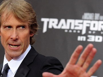 Michael Bay: Attacked by a guy with an air conditioner