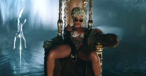 "Rihanna strips down for her ""Pour It Up"" video"