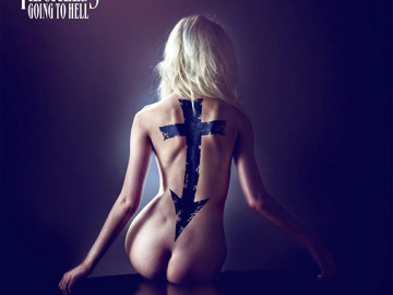 Taylor Momsen got naked for her band's album cover
