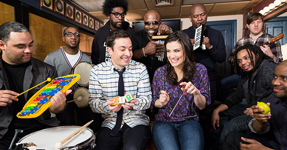 "Idina Menzel performs ""Let It Go"" w/ Jimmy Fallon & The Roots"