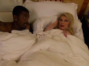 Khloe Kardashian vs. Joan Rivers … over Kim's sex tape!