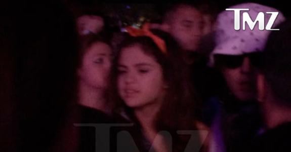 Celebs Being Dumb At Coachella #2: Justin & Selena reunite