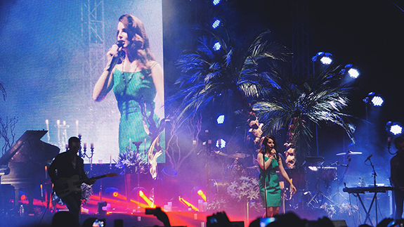 Lana Del Rey wants to take us all on a 'Honeymoon'