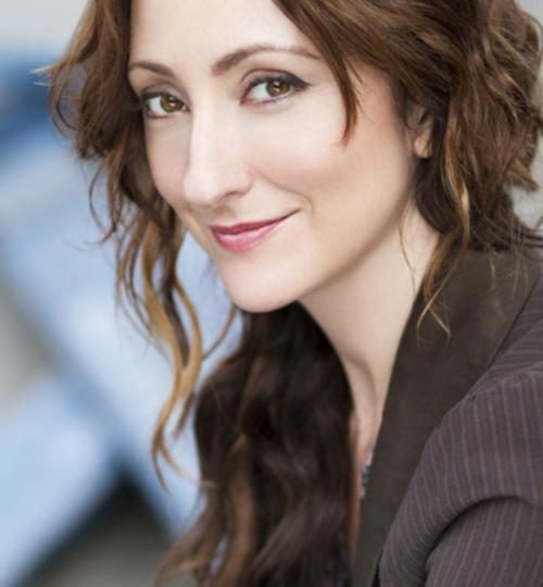 EXCLUSIVE: INTERVIEW WITH BROADWAY'S BRIGHT STAR, CARMEN CUSACK
