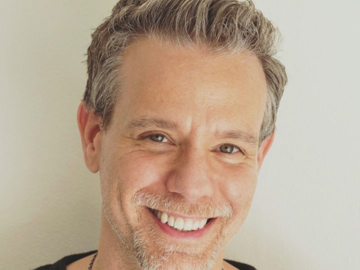 EXCLUSIVE: TALKING WITH ADAM PASCAL!